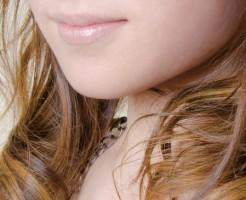 唇周りのほくろの位置で性格が分かる8つのほくろ占い