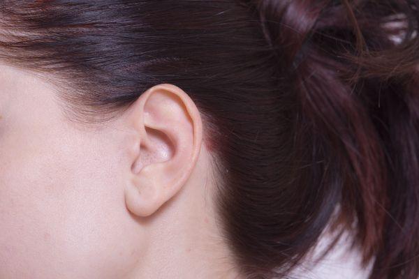 耳周りのほくろの位置で性格が分かる6のほくろ占い