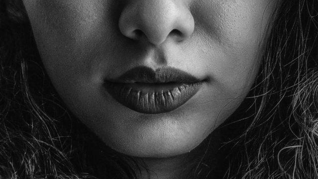 厚い口 唇