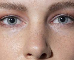 女性 顔 鼻 目