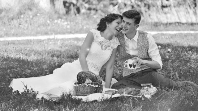 ウェディング カップル 夫婦 笑顔 デート
